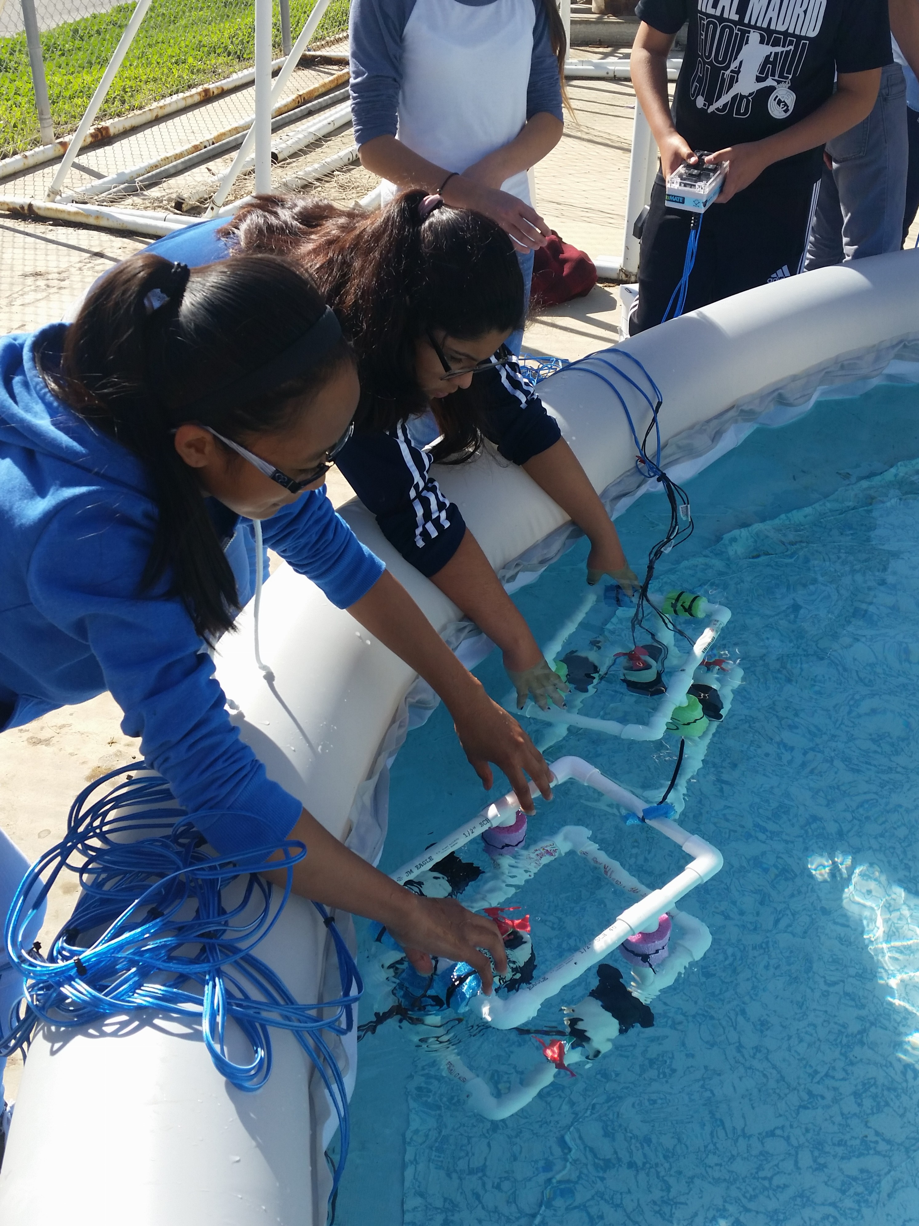 Fun in the Sun - Discovery and Education with Underwater Robots